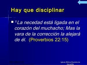 proverbios 22 15a